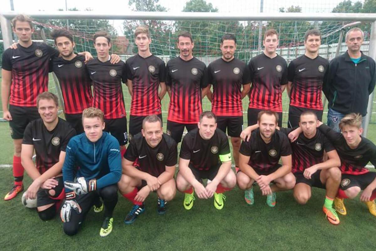 Mannschaftsfoto - FC Bierpub - FFBÖ Kleinfeldliga Wien Nord