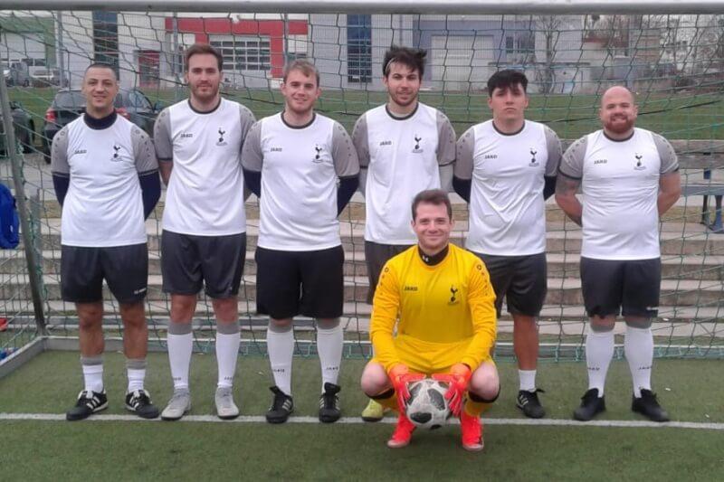 Mannschaftsfoto Tottenham Bremsspur Kleinfeldliga
