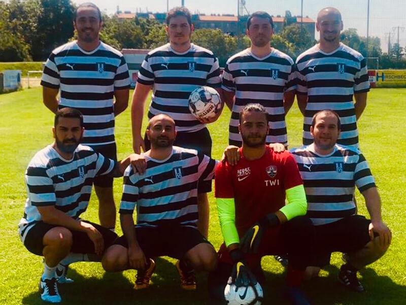 Mannschaftsfoto Black Devils FFBÖ Kleinfeldliga Wien