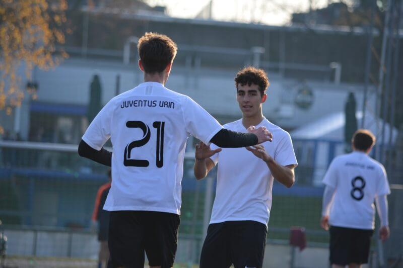 Juventus Urin erobert Platz 3