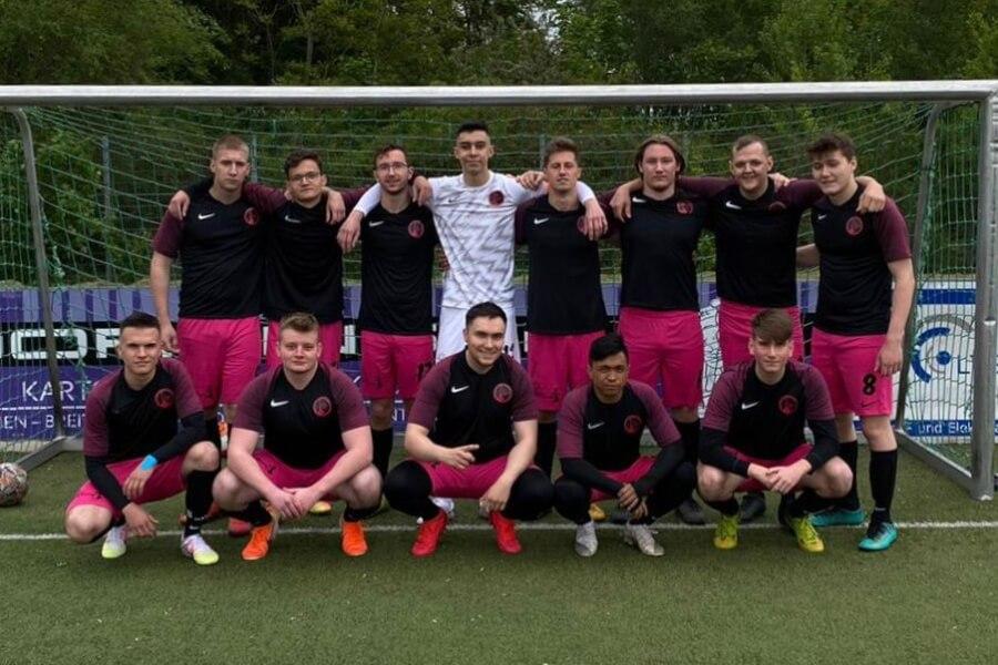 Mannschaftsfoto FC Shisha Bras FFBÖ Kleinfeldliga Wien